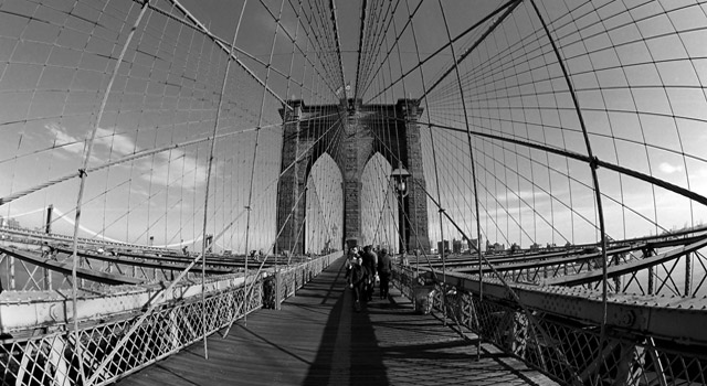 distorted view of brooklyn bridge